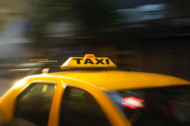 タクシー(イエローキャブ)